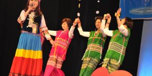 kayin dance with singer